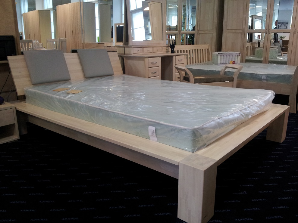 Dormeo matra i 200x200 cm. Bed Ruta. Wooden beds